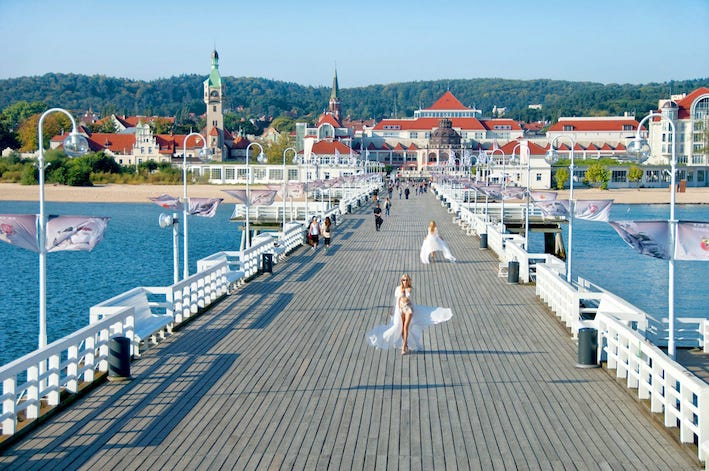 incontri Gdynia incontri Keeley Walkthrough